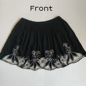 Forever 21 floral crochet mini skirt sz S black